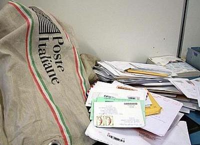 Risultati immagini per furti della  posta