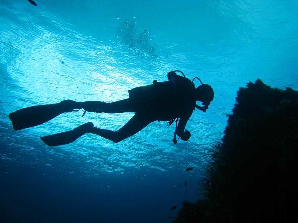 Sub napoletano disperso in mare a Filicudi,ricerche in corso