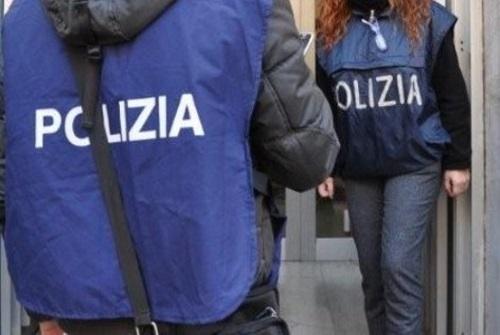 Ufficio Passaporti Questura Di Cagliari : Sassari in questura per chiedere permesso soggiorno con