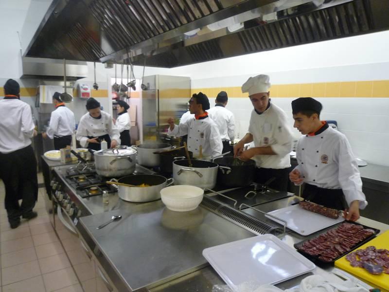L 39 alberghiero di cagliari senza cucina i fornelli sono - Cucina senza fornelli ...