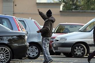 Parcheggiatori-abusivi-