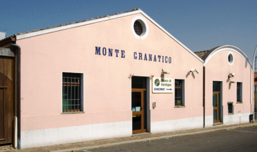Il Monte Granatico di Santadi (da amicomarioblogspot.com)