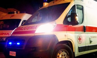 Ambulanza-118-generica-notturna-2-8-febbraio-2015