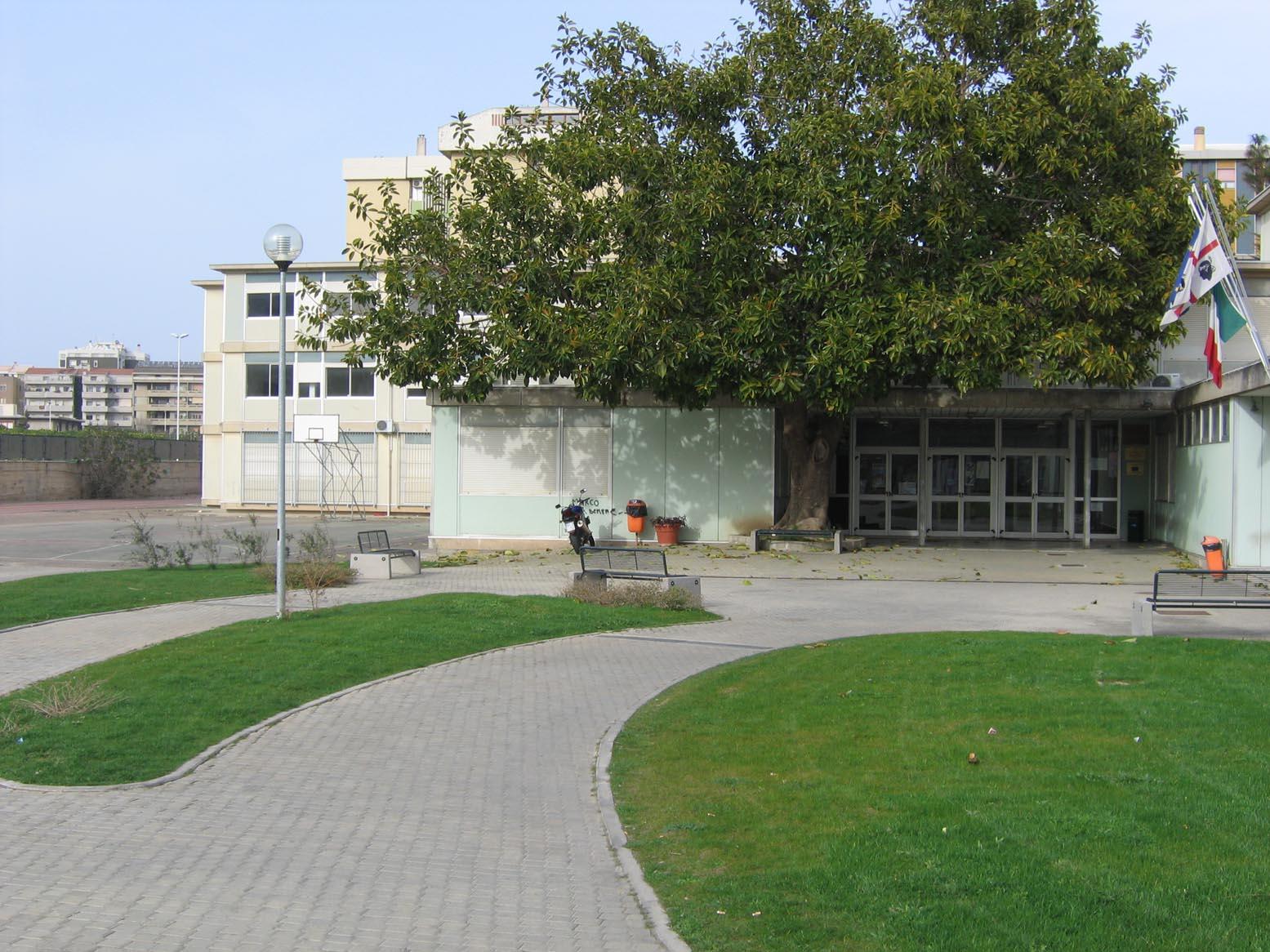 scuole elementary cagliari hotels - photo#15