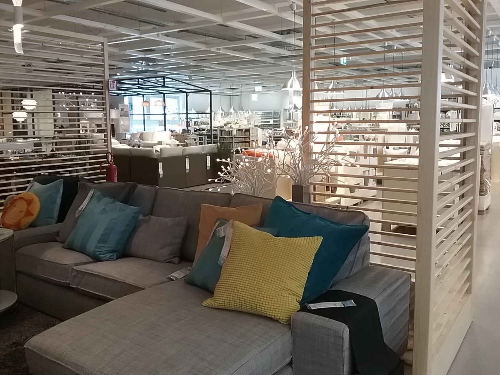 Ikea il colosso dell 39 arredamento sbarca a cagliari for Programma arredamento ikea
