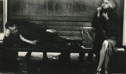 Nell'atrio della stazione, Stoccarda, 1972 c.