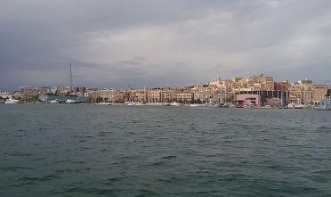Cagliari vista dalla laguna di Santa Gilla