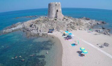 hotel-la-torre-barisardo-sulla-spiaggia