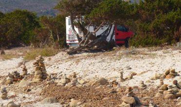 Camper sulle dune di Berchida