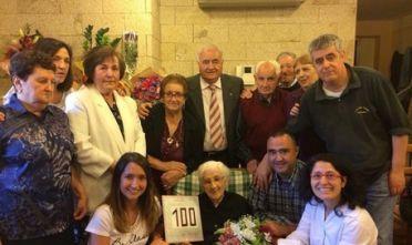Arzachena Pietrina Pirredda con la famiglia