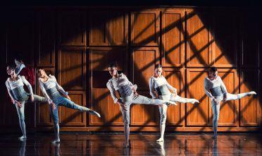 danza-rossini_byalessioamato_studio47-1