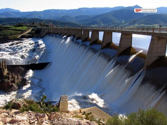 Siccit stop allo scarico di acqua in mare dalla diga di for Indipendenza del piano di cabina del mare