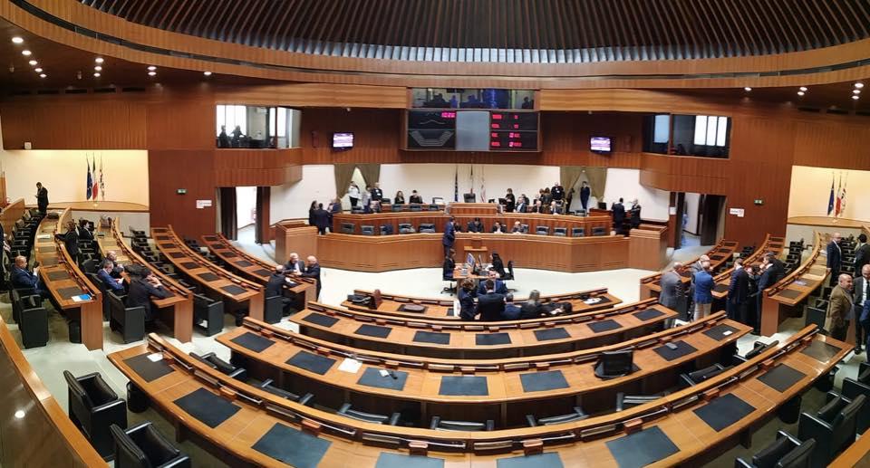 Legge elettorale, energia e burocrazia: la corsa a ostacoli del nuovo Consiglio
