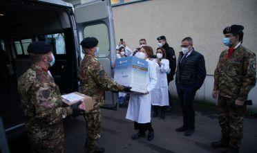 Consegna vaccini covid al Brotzu